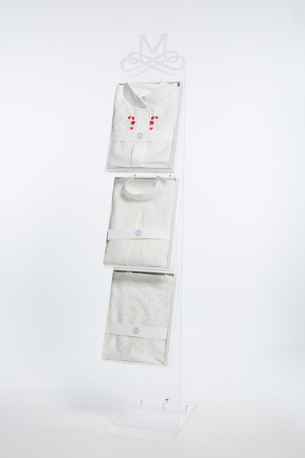 Floor display stand for 3 clothes